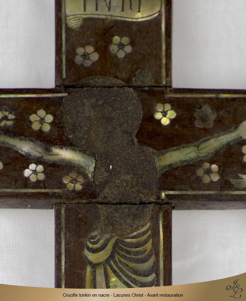 02-Crucifix tonkin en nacre lacune Christ avant restauration