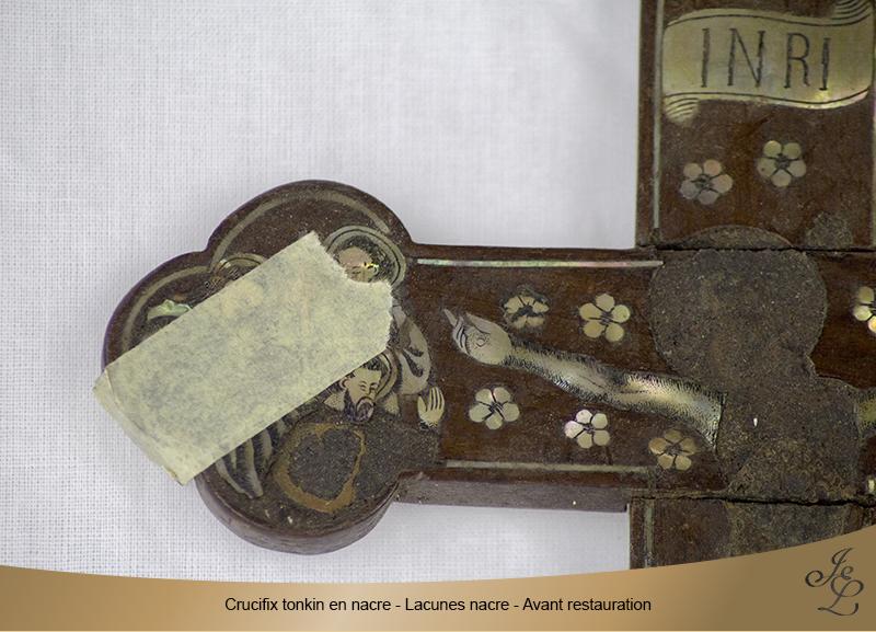 03-Crucifix tonkin en nacre lacune apôtre avant restauration