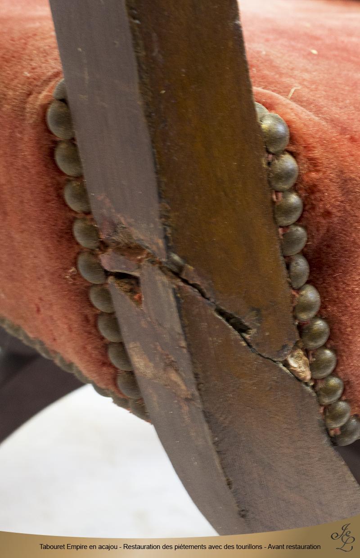 04 - Tabouret Empire en acajou - Restauration des piétements avec des tourillons - Avant restauration