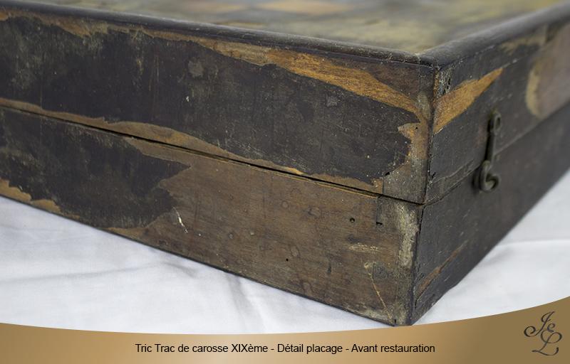 04-Tric Trac de carosse en palissandre détail lacunes placage avant restauration