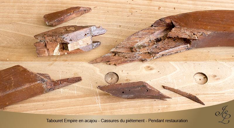 06 - Tabouret Empire en acajou - Cassure piétement - Pendant restauration
