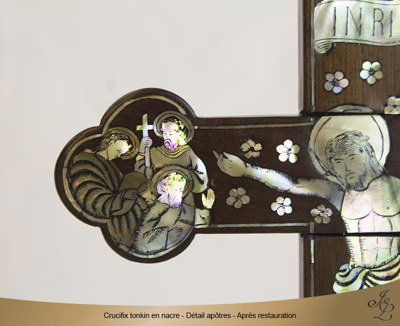 07-Crucifix tonkin en nacre détail apôtre après restauration