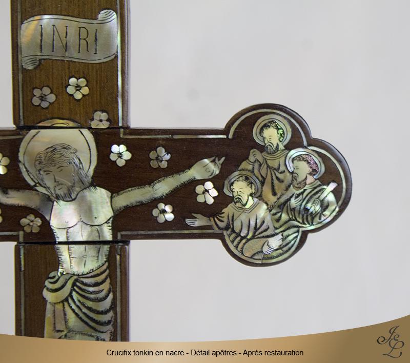 08-Crucifix tonkin en nacre détail apôtres droit après restauration