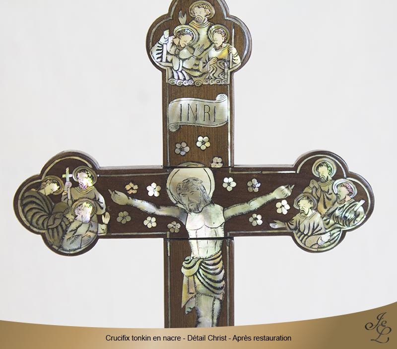 10-Crucifix tonkin en nacre détail marqueterie après restauration