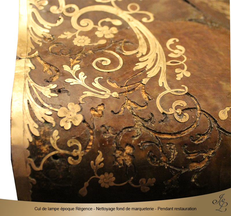 10-Cul de lampe époque Régence - Nettoyage fond de marqueterie - Pendant restauration