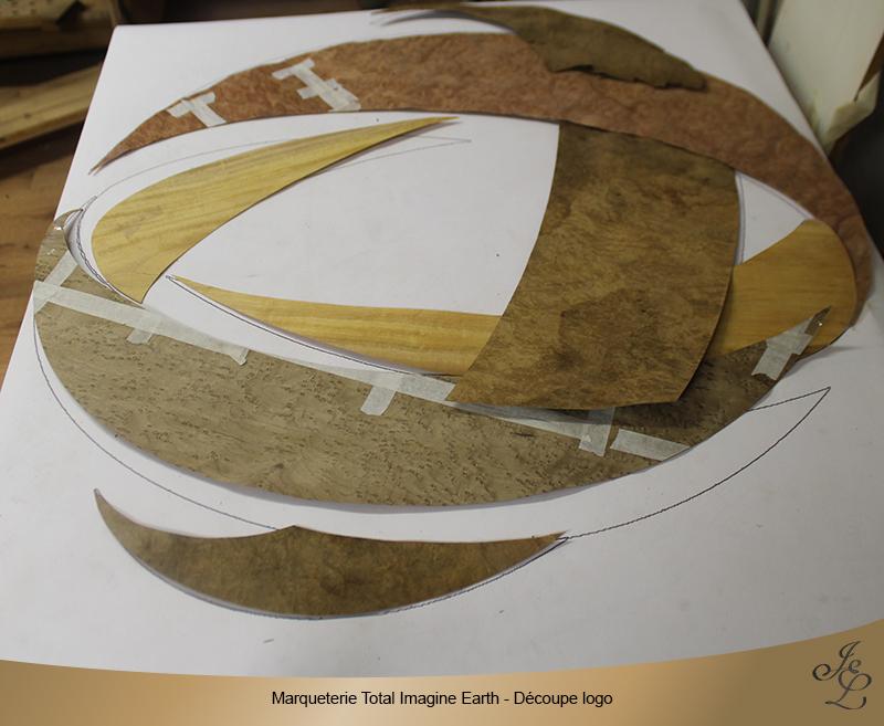 Marqueterie Total Imagine Earth - Découpe logo
