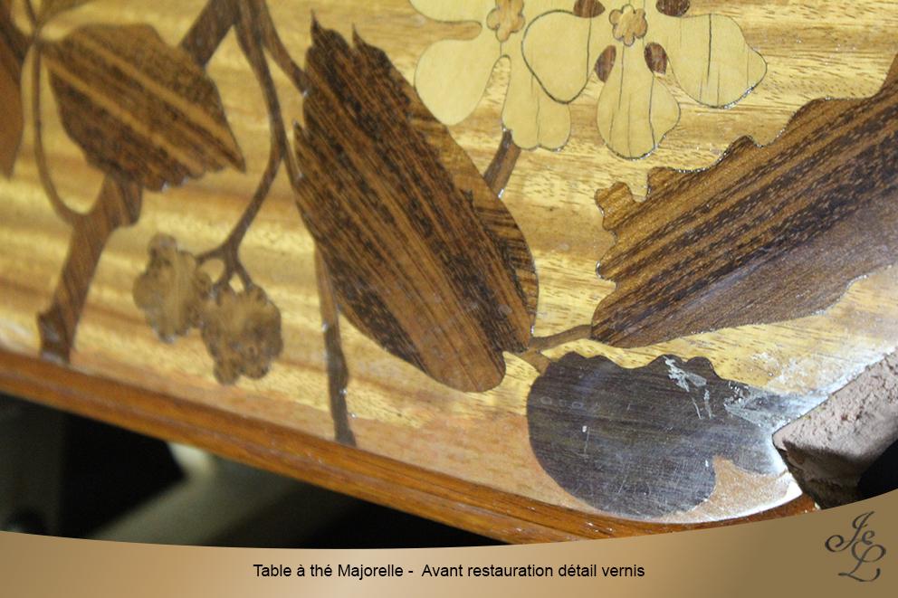 Table à thé Majorelle - Avant restauration détail vernis