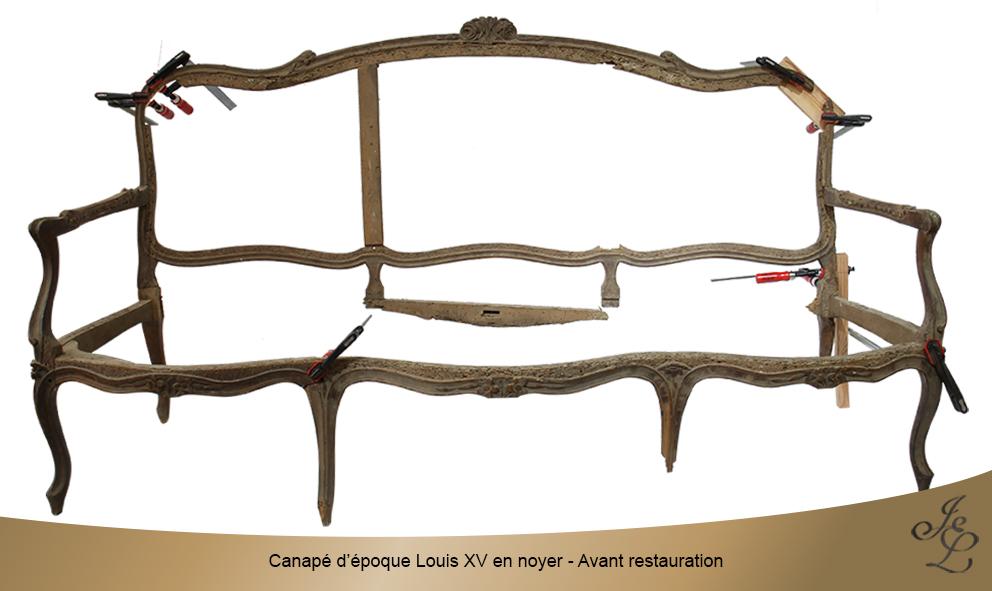 Canapé d'époque Louis XV en noyer - Avant restauration