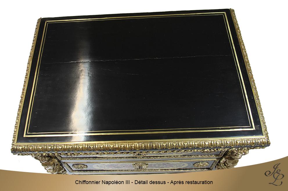 Chiffonnier Napoléon III - Détail dessus - Après restauration