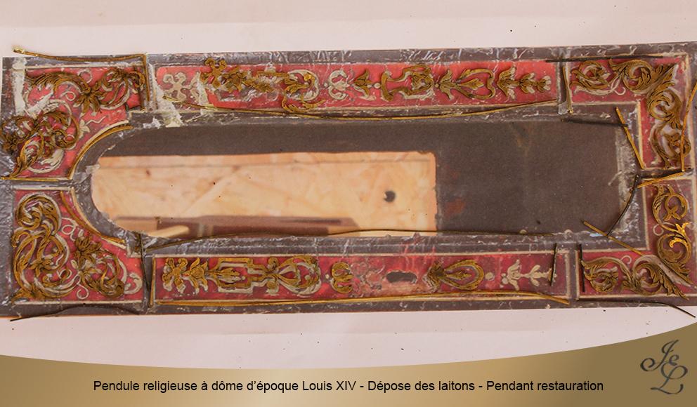 Pendule religieuse à dôme d'époque Louis XIV - Dépose des laitons - Pendant restauration