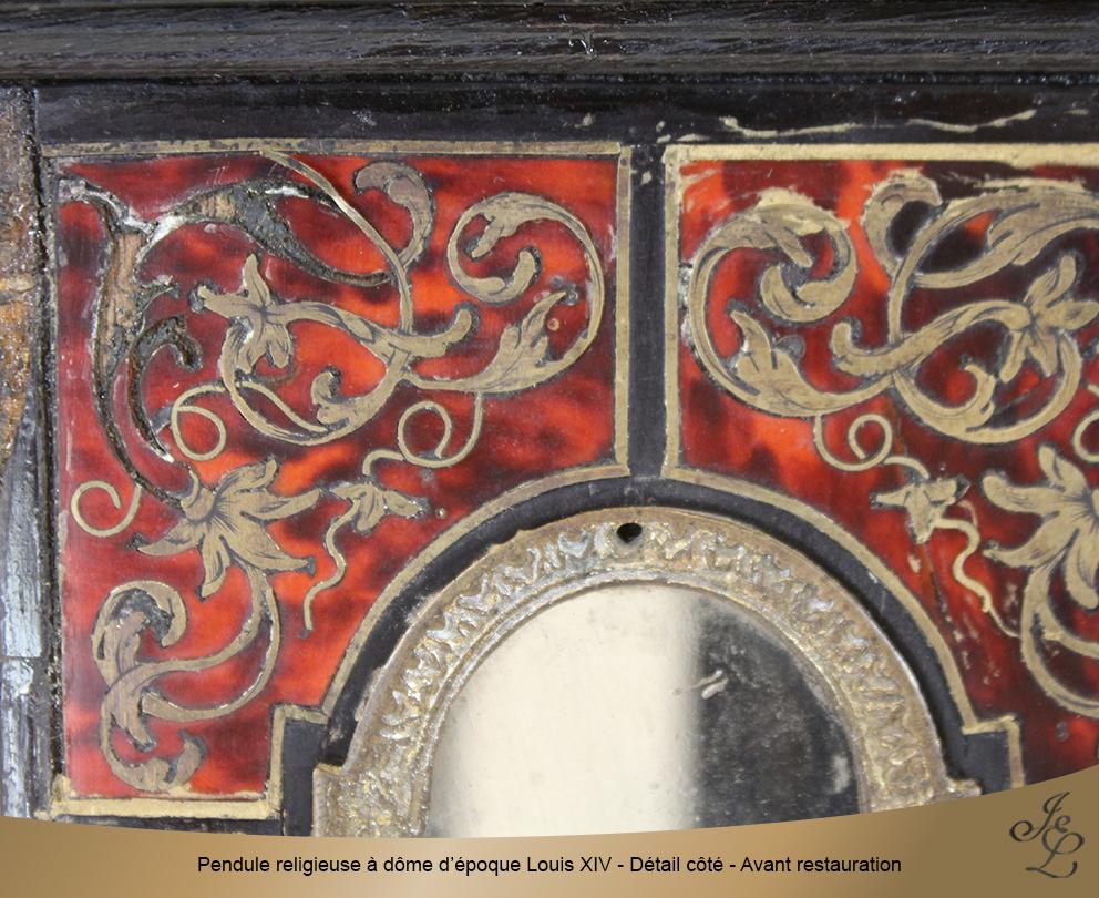Pendule religieuse à dôme d'époque Louis XIV - Détail côté - Avant restauration