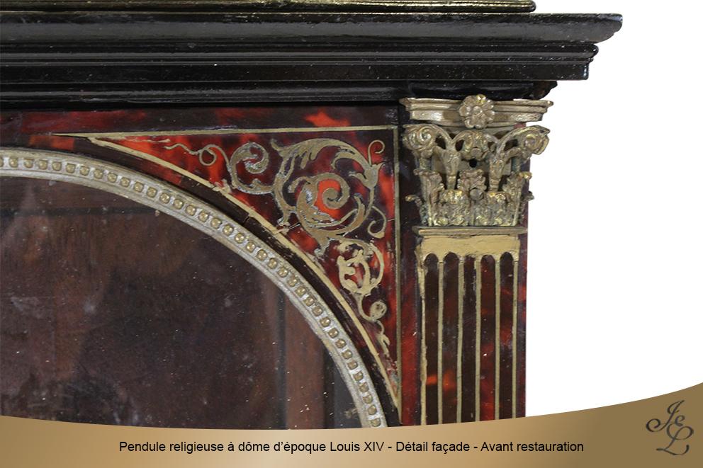 Pendule religieuse à dôme d'époque Louis XIV - Détail façade - Avant restauration