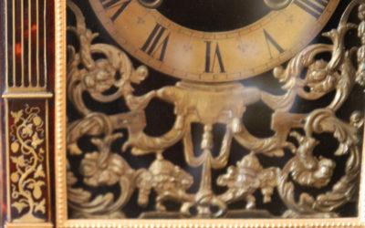 Pendule religieuse d'époque Louis XIV