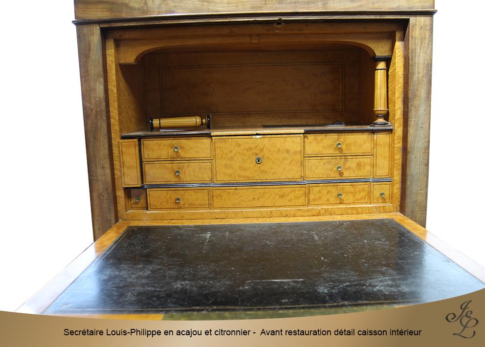 Secrétaire Louis-Philippe en acajou et citronnier - Avant restauration détail caisson intérieur