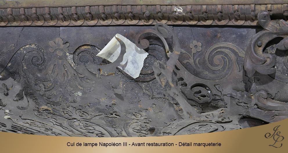 Cul de lampe Napoléon III - Avant restauration - Détail marqueterie