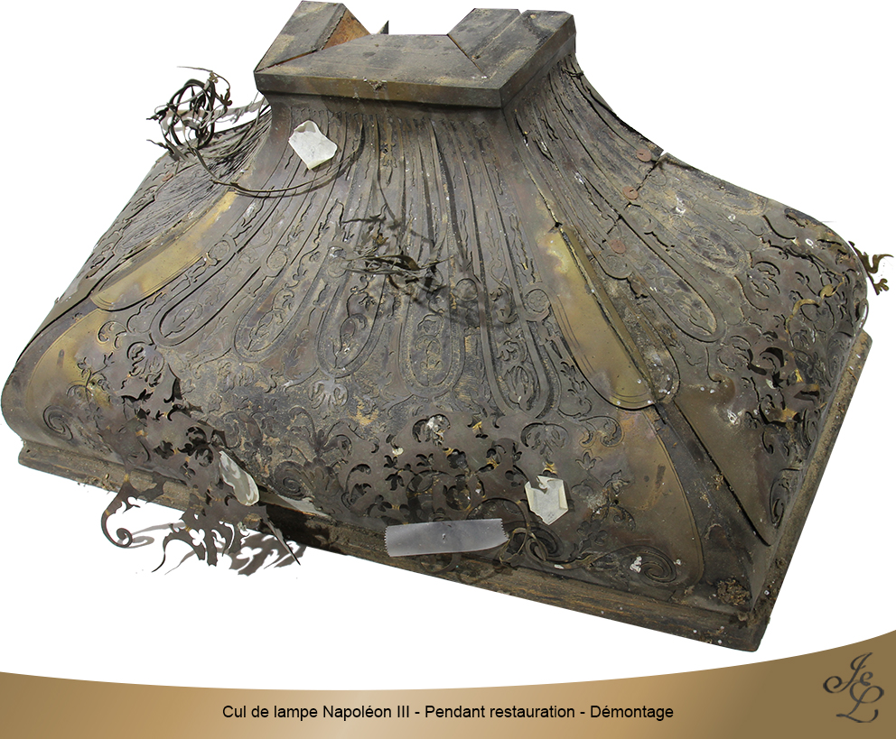 Cul de lampe Napoléon III - Pendant restauration - Démontage