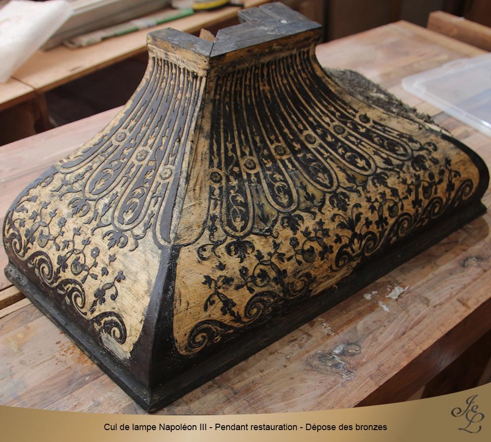 Cul de lampe Napoléon III - Pendant restauration - Dépose des bronzes