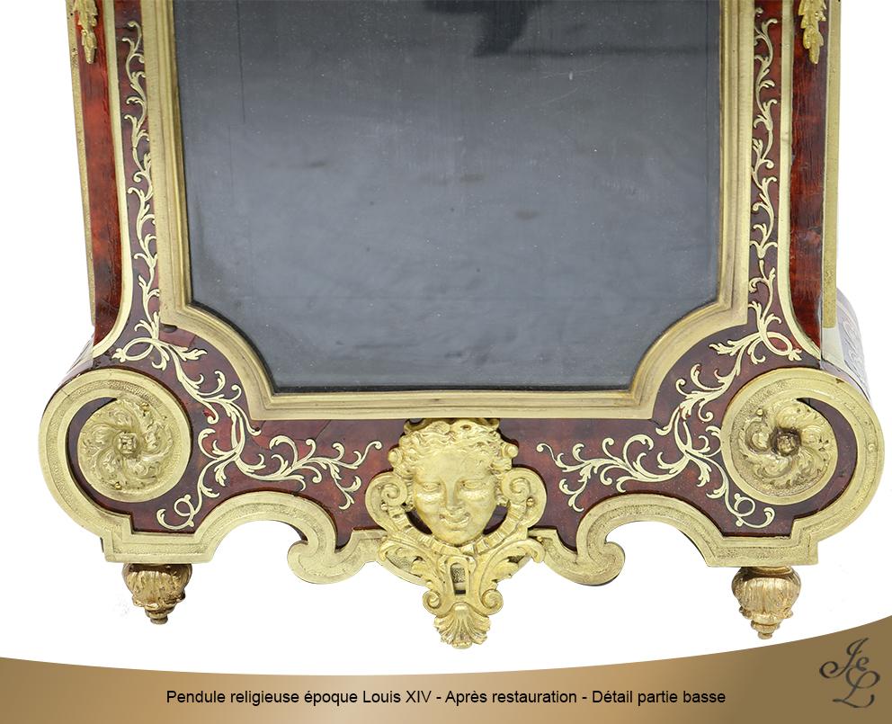 Pendule religieuse époque Louis XIV - Après restauration - Détail partie basse