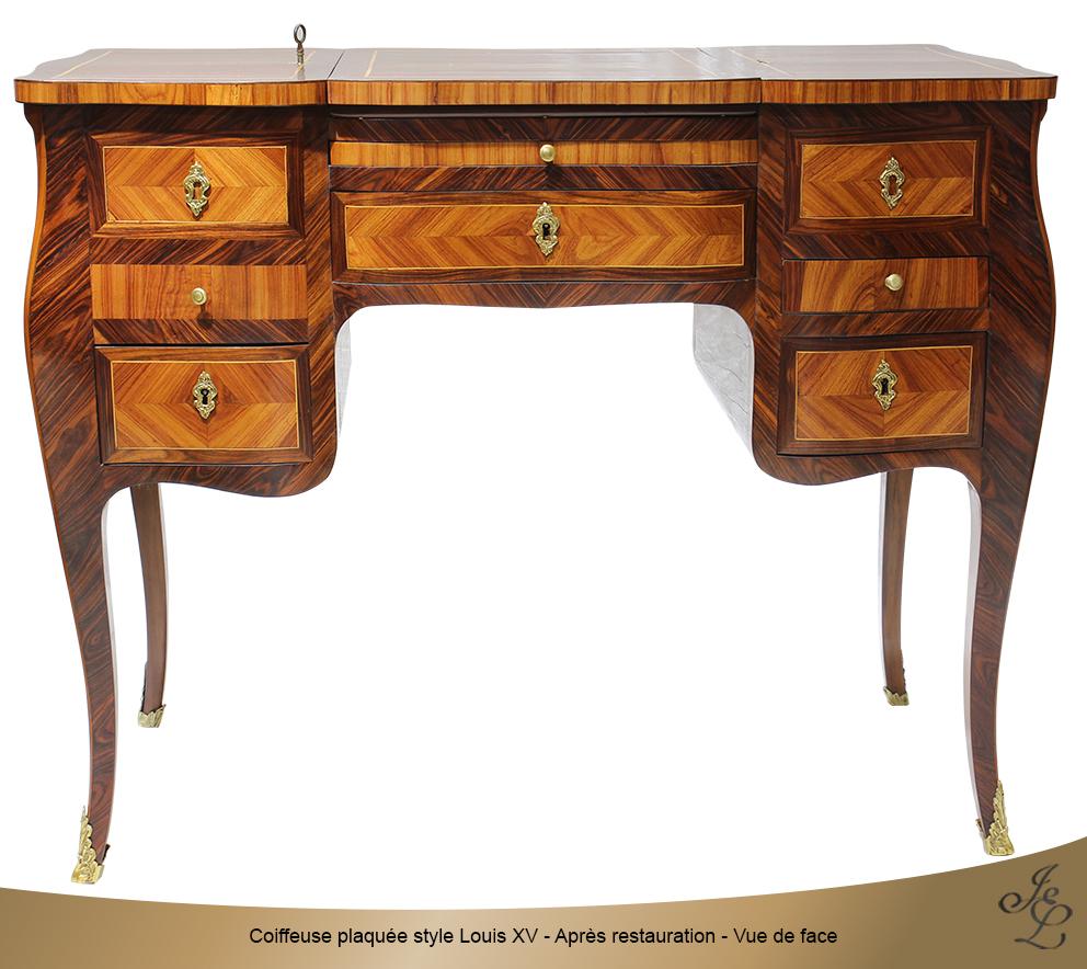 Coiffeuse plaquée style Louis XV - Après restauration - Vue de face
