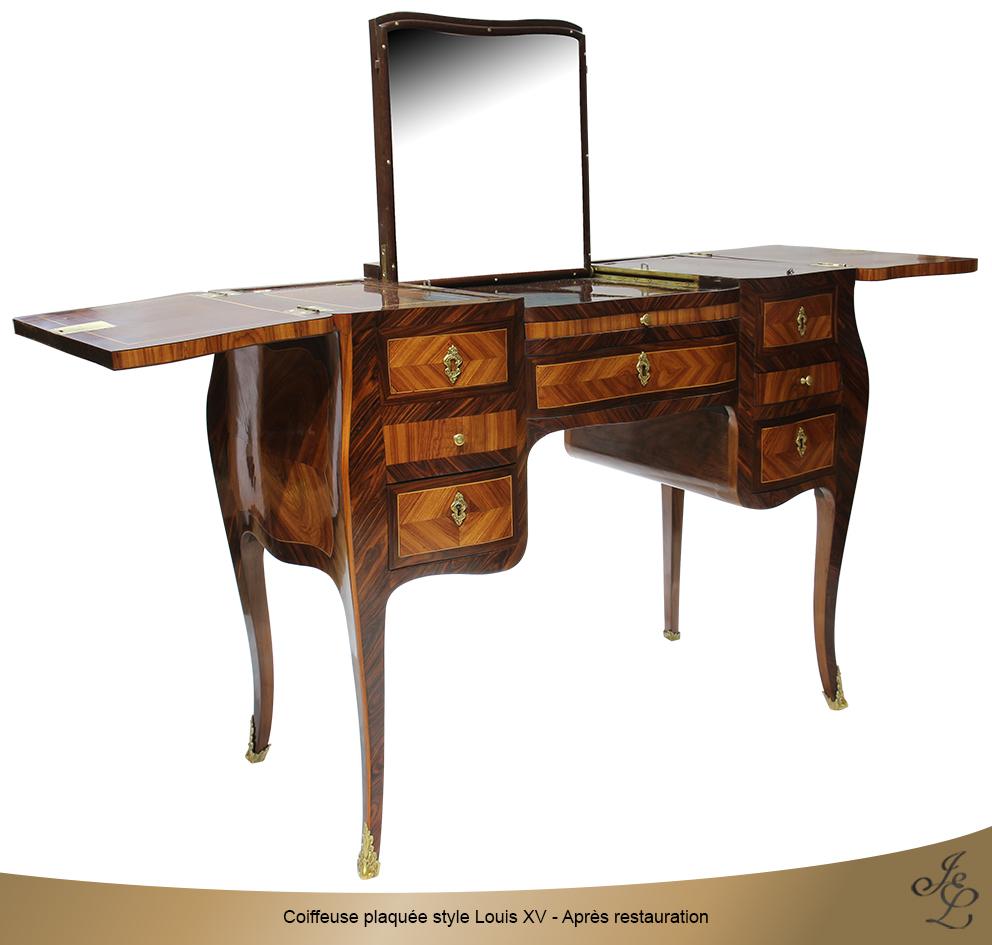 Coiffeuse plaquée style Louis XV - Après restauration ouvert