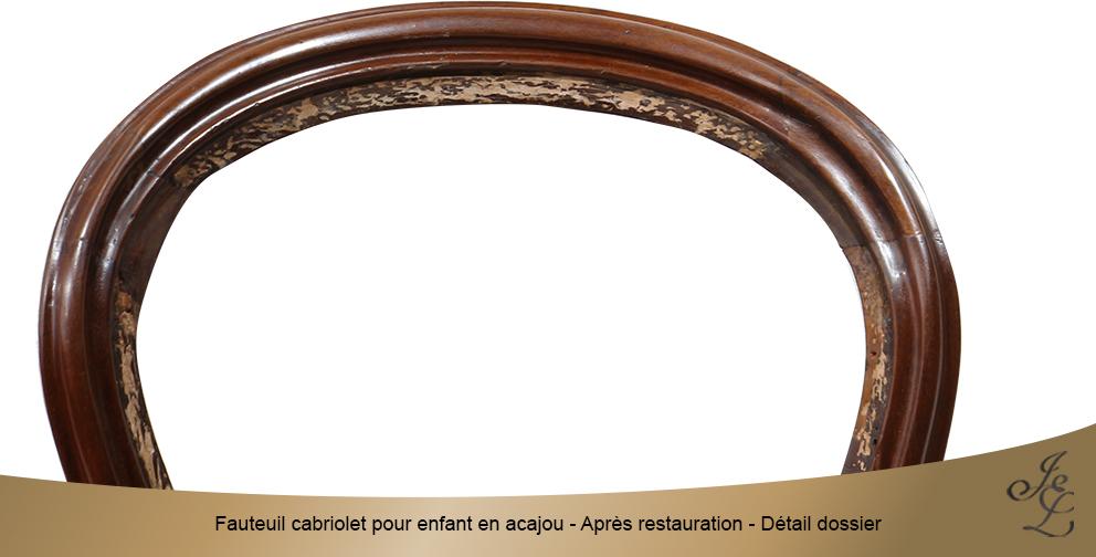Fauteuil cabriolet pour enfant en acajou - Après restauration - Détail dossier