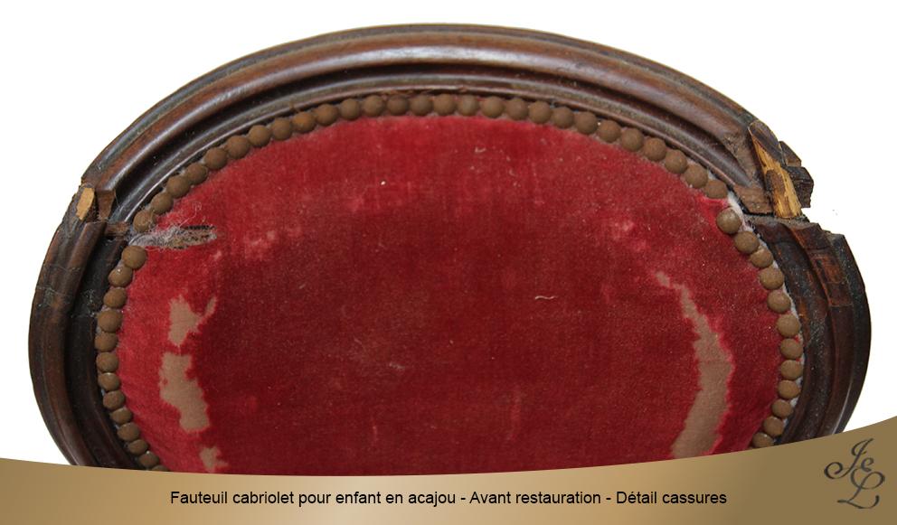Fauteuil cabriolet pour enfant en acajou - Avant restauration - Détail cassure 3