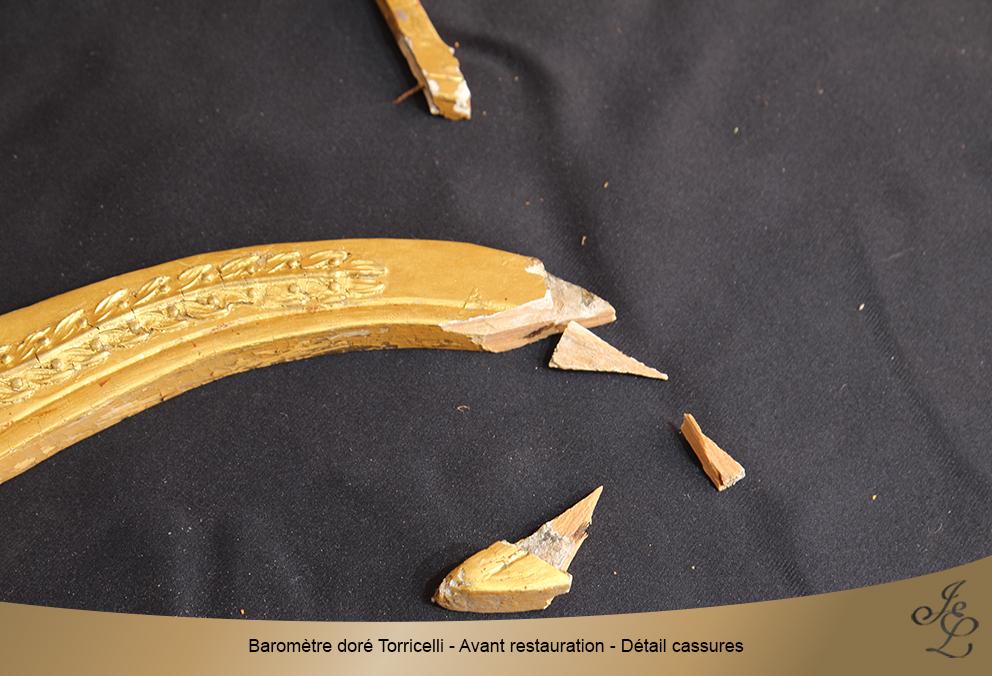 Baromètre doré Torricelli - Avant restauration - Détail cassures