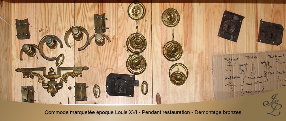Commode marquetée époque Louis XVI - Pendant restauration - Démontage bronzes