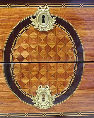 Commode demi-lune marquetée d'époque Louis XVI